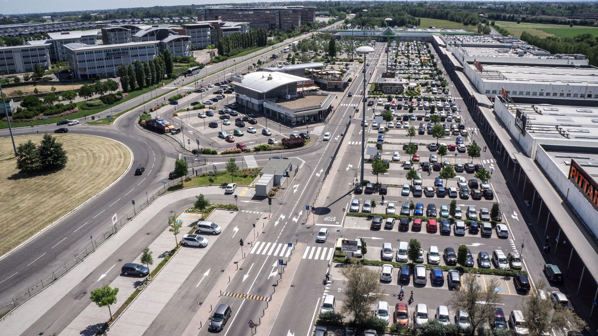 Meraville   Video parco commerciale Bologna