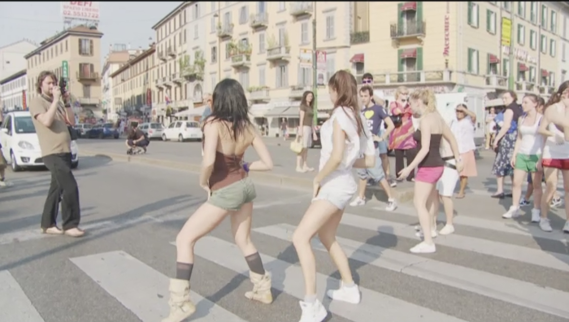 AVON   Flash Mob Milano